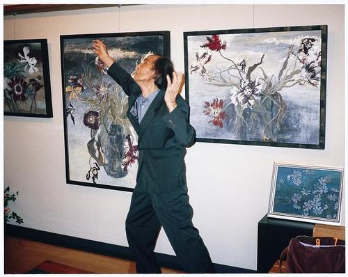 1998  福山知佐子個展にて踊る 舞踏家 大野一雄氏